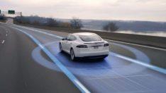 Almanya hükumetinden Tesla'ya otomatik pilot uyarısı