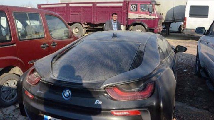 Malatya'da lüks otomobiller çürümeye terk ediliyor