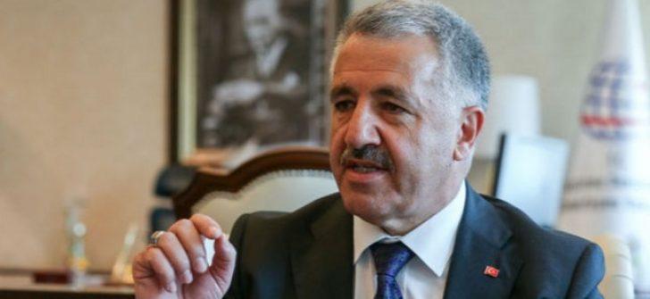 """Bakan Ahmet Arslan """"Mavi Balina"""" oyunu için velilere seslendi"""