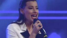 Müjde Uzman'dan muhteşem O Ses Türkiye Yılbaşı performansı