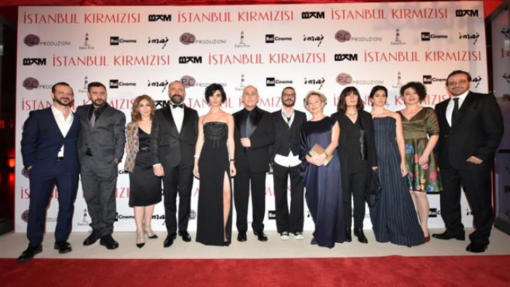 İstanbul Kırmızısı filminin galasına ünlü akını