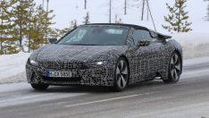 BMW i8 Roadster kamuflajlı yakalandı