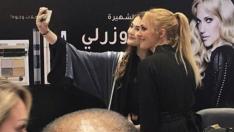 Meryem Uzerli Suudi Arabistan'da başörtüsü yasağını deldi