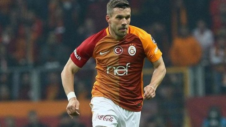 Galatasaray Podolski'yi Japon Rakuten'e sattı