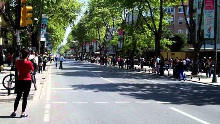 Bankalar kira yüzünden Bağdat Caddesi'nden kaçıyor