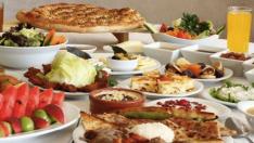 Oruç tutarken sağlıklı iftar için nelere dikkat etmeli