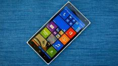 Microsoft yeni Windows 10'lu akıllı telefonuyla dönüşe hazırlanıyor