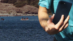 Su geçirmez akıllı telefon Adana'da 3 genci boğulmaktan kurtardı