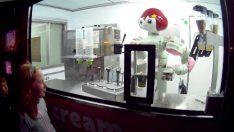 Dondurmacı robotlar çocukların kalbini çalıyor