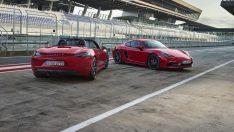 Yeni Porsche 718 GTS ikilisi ile orta motorlu ailesi büyüdü