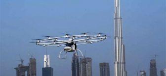 İlk uçan taksi Volocopter Dubai semalarında