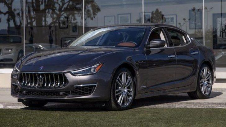 """Maserati Ghibli Almanya'da """"Yılın Otomobili"""" seçildi!"""