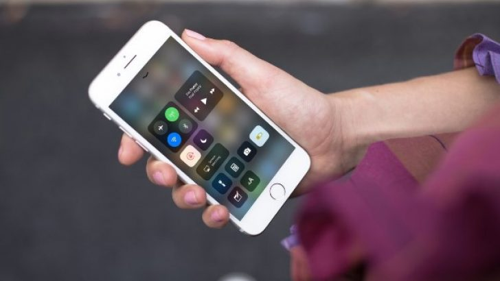 iOS 11.1'li iPhone 7'yi hacklediler!