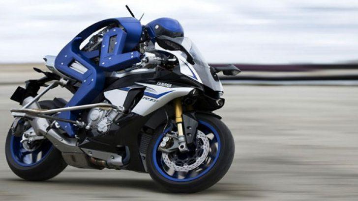 İşte Yamaha'nın kendi başına motor kullanabilen robotu Motobot