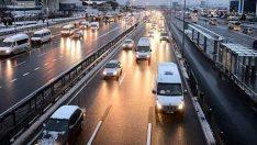 İstanbul trafiğinde kar çilesi