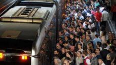 Metrobüs durağında yoğunluk isyanı