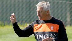 Avustralya Milli Takımı, Van Marwijk'i transfer etti