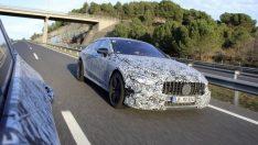 Mercedes-AMG GT4 Cenevre'ye geliyor