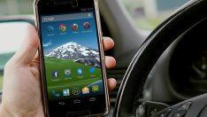Fransa'da araçta telefon kullanma şartlarında düzenleme geldi