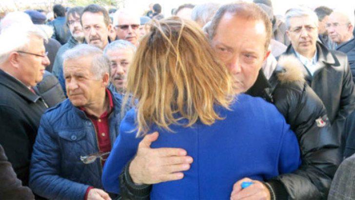 Sümer Ezgü'nün annesi hayatını kaybetti