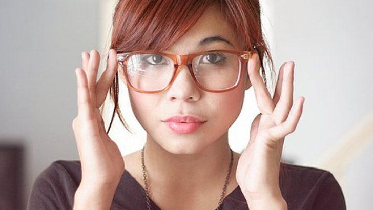 Gözlük takmak moda mı?