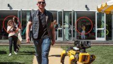 Jeff Bezos'u robot köpekle görenler şaşkına döndü