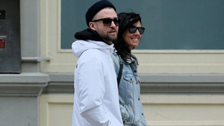 Justin Timberlake arkadaşıyla kol kola