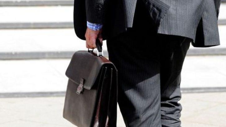 Hazine ihaleler öncesi ROT'ta 1.84 mlyr TL'si piyasadan olmak üzere toplam 2.52 mlyr TL borçlandı