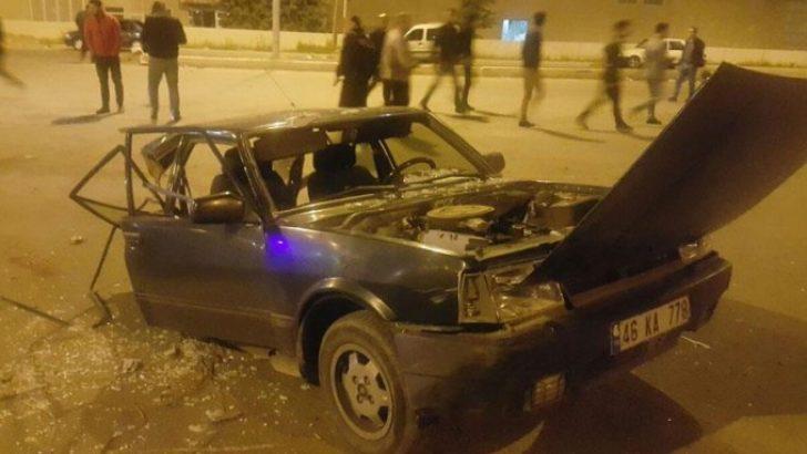 Bu otomobilden 3 kişi sağ çıktı