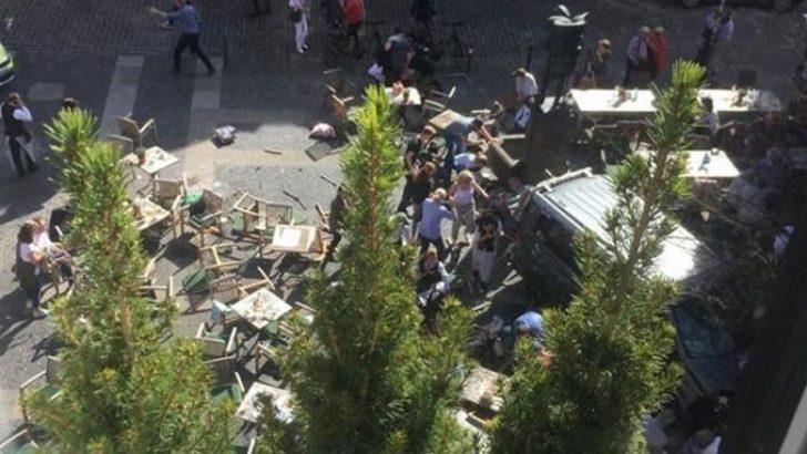 Almanya'da araç kalabalığa daldı: Ölü ve yaralalılar var