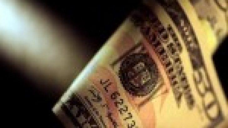 Dolar, Çin'den gelen misilleme ile geriledi