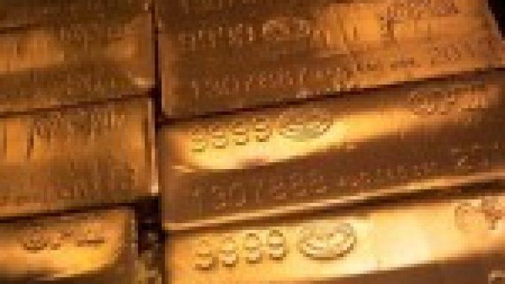 Altın, artan ticaret endişeleri ile yükselişte