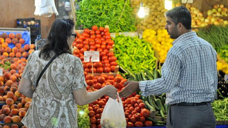 Mart'ta enflasyon beklentiyi aştı