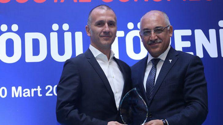 Mercedes-Benz Türk, TİSK Kurumsal Sosyal Sorumluluk Yenilikçilik ödülünü aldı