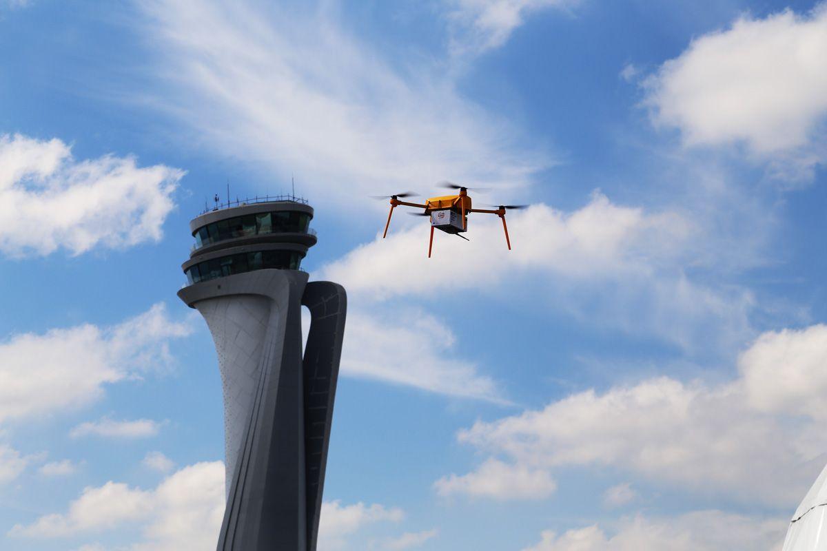 "PTT'den Dev Atılım ""Drone'la Kargo Teslimatı"""