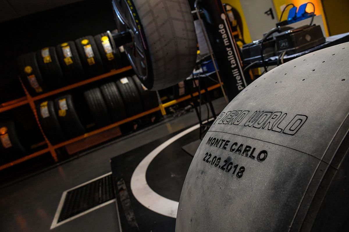 MONTE CARLO'DA PIRELLI P ZERO WORLD MAĞAZASI AÇILDI