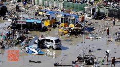Endonezya'yı 7,5 büyüklüğünde deprem ve tsunami vurdu