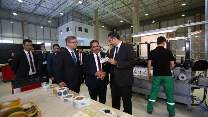 Alman Lohmann yeni üretim tesisini Gebze'de açtı