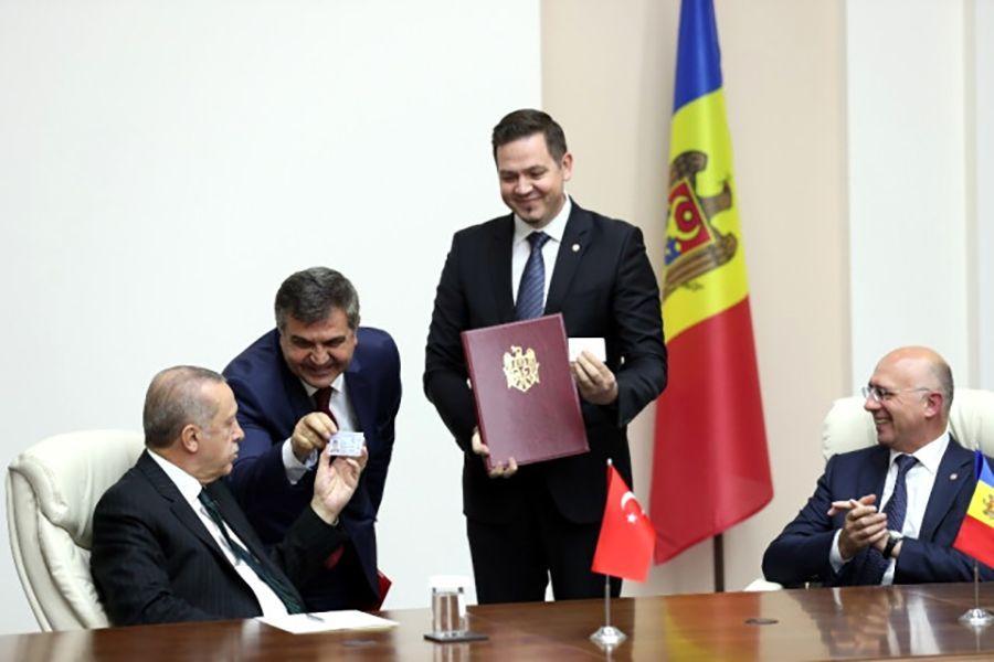 Cumhurbaşkanı Erdoğan'ın Moldova ziyaretinde imzalar atıldı