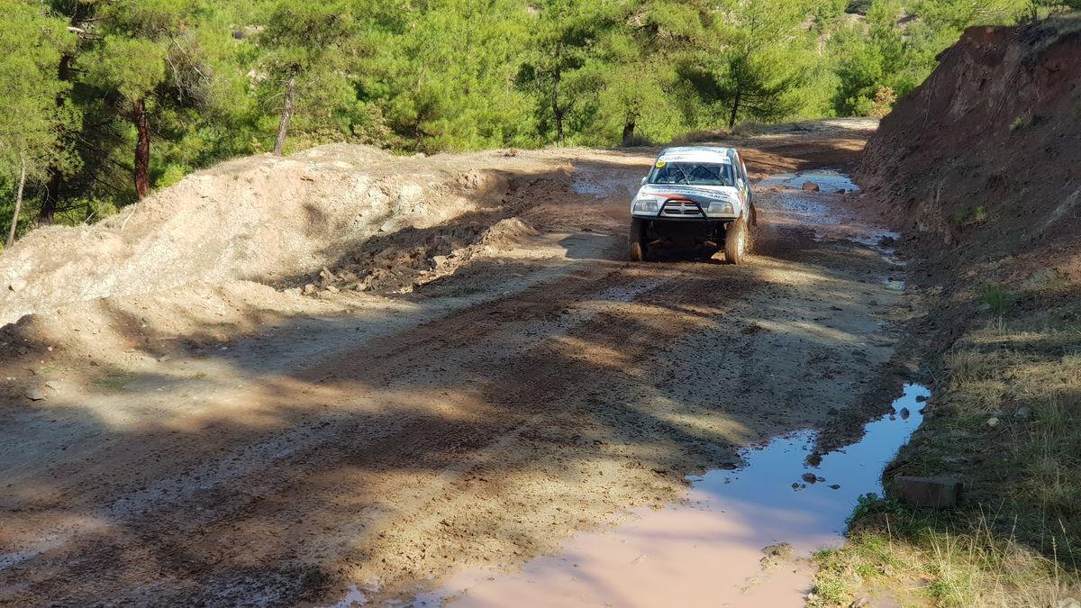 Karabük'te mekanik sorunlar Bantboru Off-Road Team'i podyumdan indiremedi