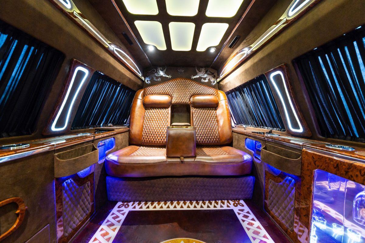 VIP araç dönüşümlerinde sınırları zorlayan tasarımlar