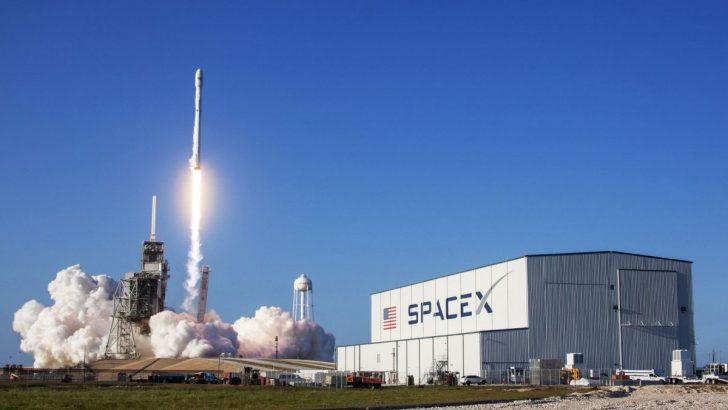 SpaceX, devasa Falcon 9 roketi ile bir ilke daha imza atıyor