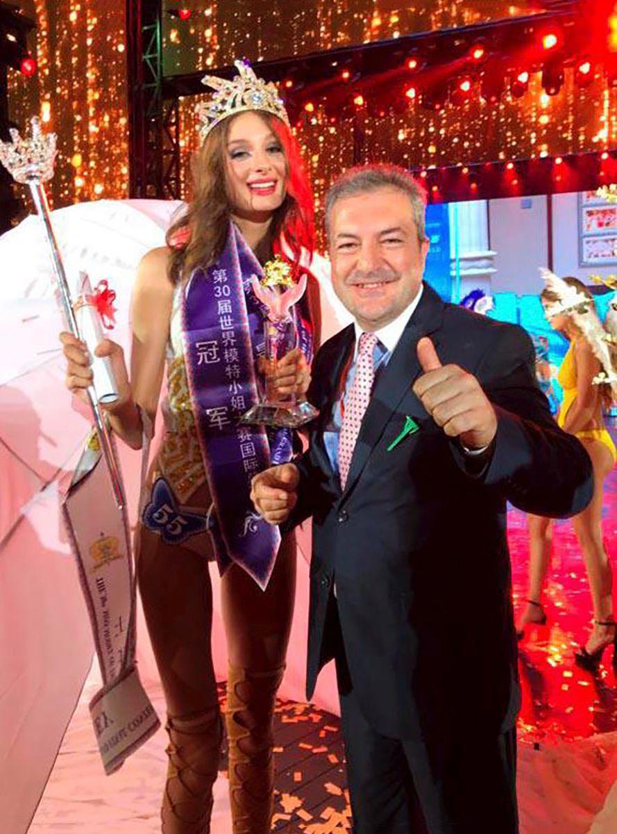 Dünya Mankenler Kraliçesi Pınar Tartan Oldu