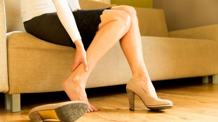 Çalışan kadınlarda oluşan, ayak ve ayak bileği sorunlarına karşı 7 öneri