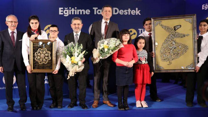 Turkcell den muhteşem hamle, Turkcell 2020'ye kadar 50 bin engelli öğrenciye destek verecek