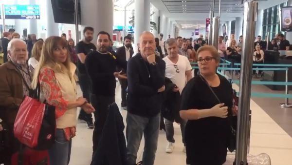 Havalimanında yer görevlisine hakaretler yağdırdı. Tepkiler çığ gibi büyüyor. Kim bu Funda Esenç?