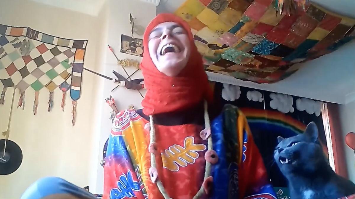 """Özünün Coşkusu Dünyayı Renklendiren Muhteşem Bir İnsan """"Eftelya Fettahoğlu Emirmiran"""""""