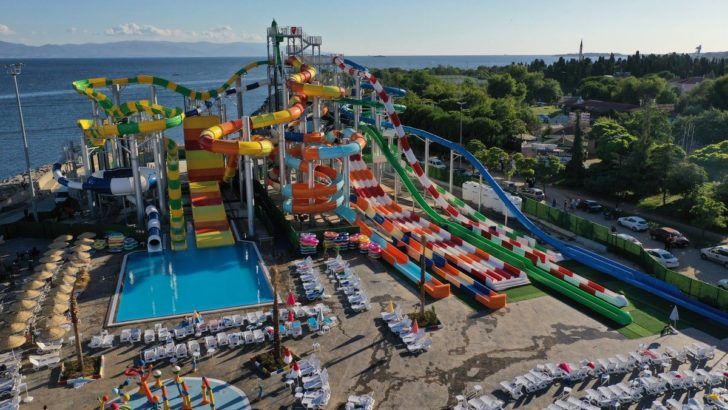 İstanbul'un en büyük su parkı Marina Aquapark, Viaport Marina'da açıldı!