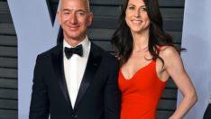 Dünyanın en zengin adamı Jeff Bezos,1.8 milyar dolar değerinde Amazon hissesini sattı