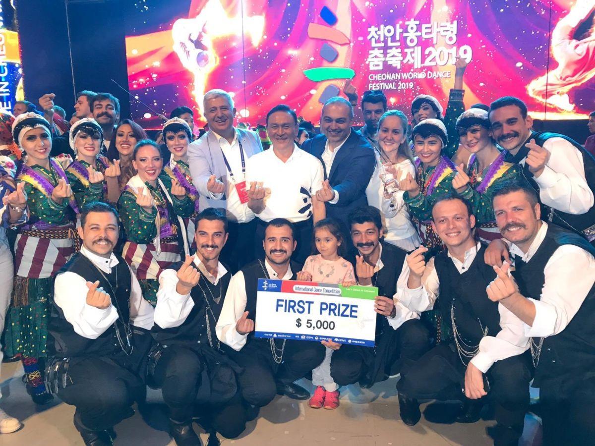 Büyük Gurur... Türk Halk Oyunları Topluluğu dünya birincisi oldu